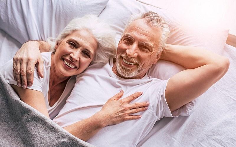 Partnersuche ab 50 ++ NEU ++ Senioren Dating im Test 01/